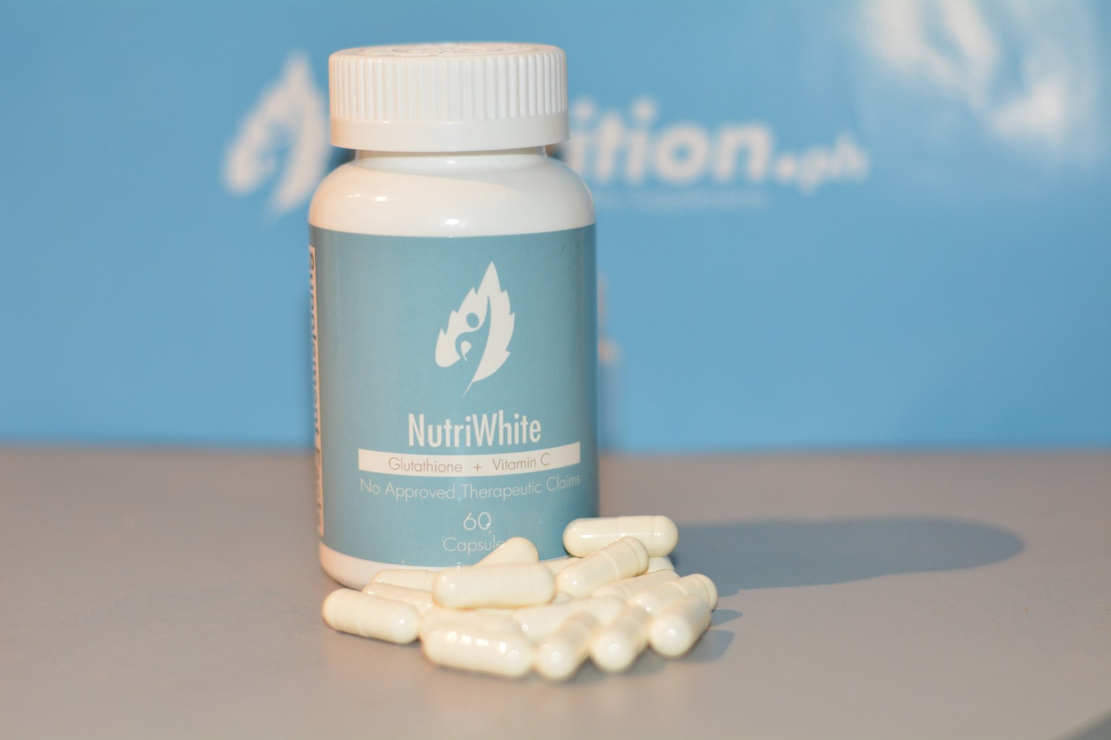 NutriWhite With Capsules Out